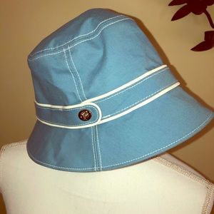Coach blue/white bucket rain hat P/S EUC